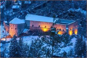 Fort de Savoie la nuit , Colmars-les-Alpes, 04, Alpes-de-Haute-Provence, Paca, France // France, Paca, Alpes-de-Haute-Provence, 04, Colmars-les-Alpes, Fort de Savoie by night